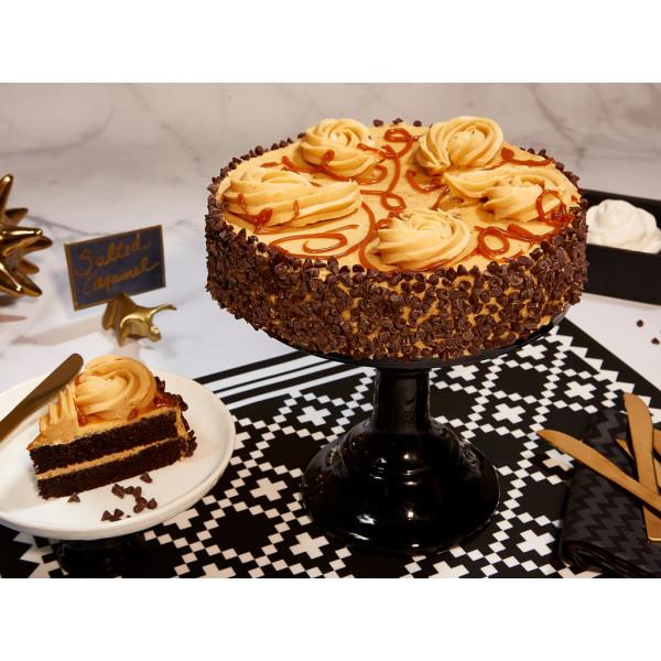 Pastel de chocolate con caramelo salado