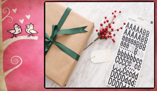 Envuelva el regalo con el simbolo de aniversario