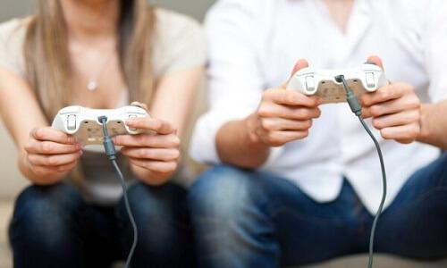 Jugar videojuegos juntos