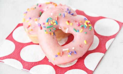 Donuts De Pastel Funfetti