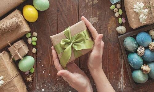 Enviar regalos de Pascua en línea entre sí